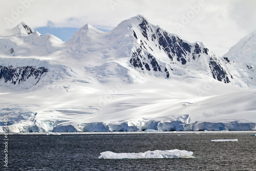 Poster Antarctica Antarctica - A Beautiful Day - Travel Destination