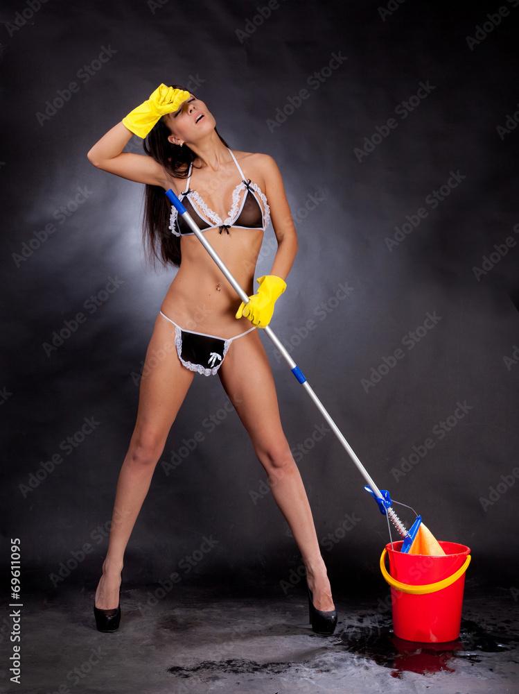 foto-so-shvabroy-intim-seks-s-bolshegrudoy-sportsmenkoy