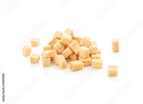 Fotografía  cube croutons on a white background