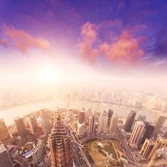 fototapeta Pejzaż z Szanghaju mglisty i pochmurny