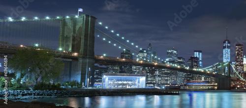most-brooklynski-przy-noca-miasto-nowy-jork