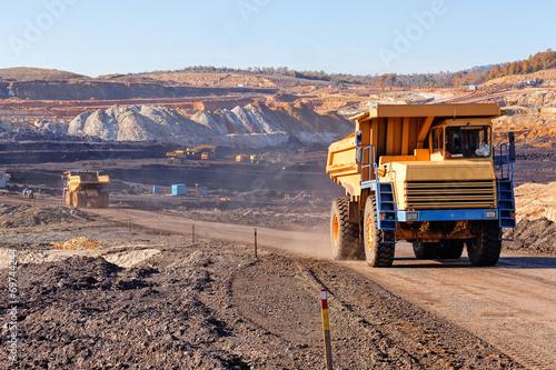 Fényképezés  Open mining pit
