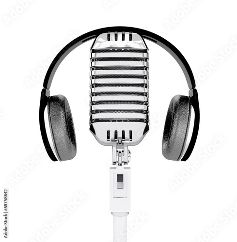Photo  Microphone and headphones isolated. 3d illustration
