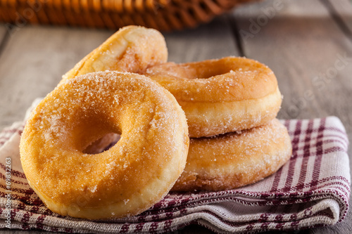 Photo  Breakfast with donuts and honey