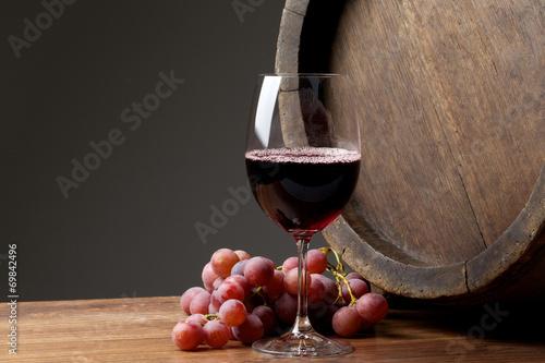 Obraz na plátně Wine with barrel