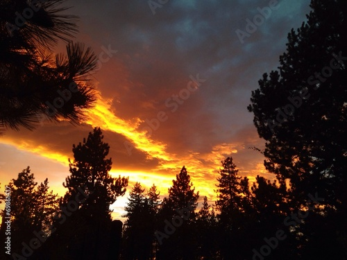 Photo Stands Eggplant Beautiful sunset over Lake Tahoe.