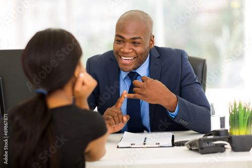 Fotografía  african american businessman meeting with client