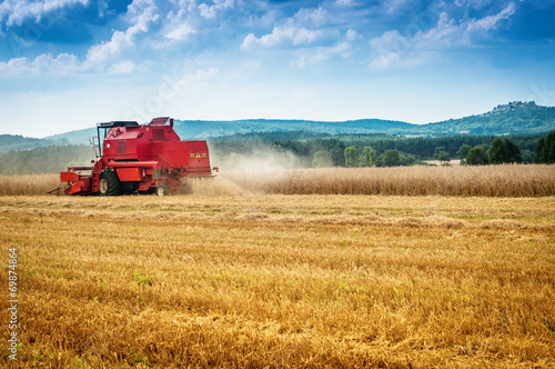 Fotografia  combine harvester