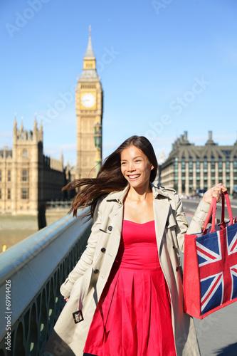 Photo  London woman tourist shopping bag near Big Ben