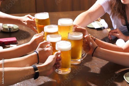 Photo  ビールで乾杯〜女子会