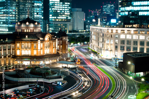 Spoed Foto op Canvas Tokyo 東京駅とKITTE