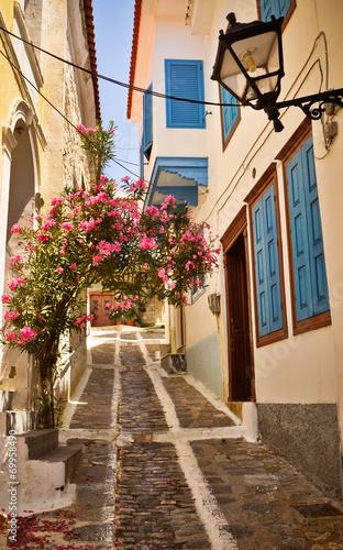 urocza-grecka-ulica-vathi-samos
