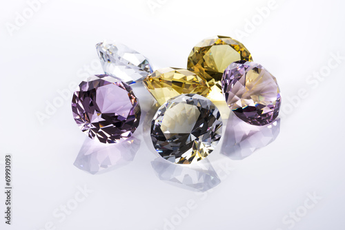 複数の宝石イメージ