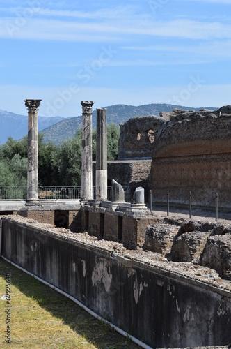 Foto op Aluminium Rudnes rovine romane di villa adriana italia