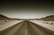 Desert Road Highway In Death V...