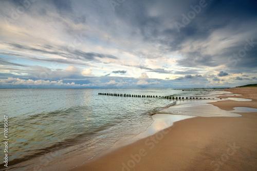 Wall mural - Morze, piękna plaża o wschodzie słońca