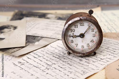 Poster  Alte Uhr und Briefe