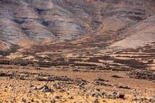 Ladera De Una Montaña Arida En Lanzarote