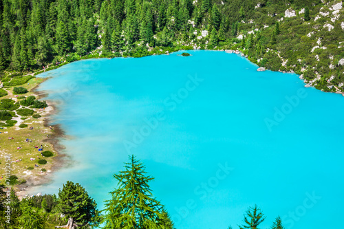 Spoed Foto op Canvas Turkoois Turquoise Sorapis Lake in Cortina d'Ampezzo, with Dolomite Moun
