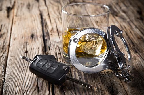 Fotografie, Obraz Glass of whiskey and car keys