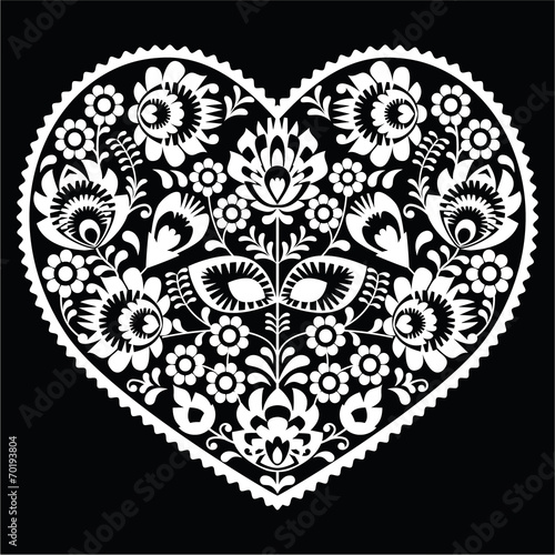 wzor-polskiej-bialej-sztuki-ludowej-na-czarnym-wzory-lowickie