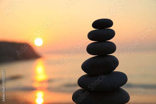 Photo piedras zen puesta de sol playa 7646-f14