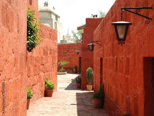 Recess Fitting Brick Arequipa-Couvent Santa Catalina