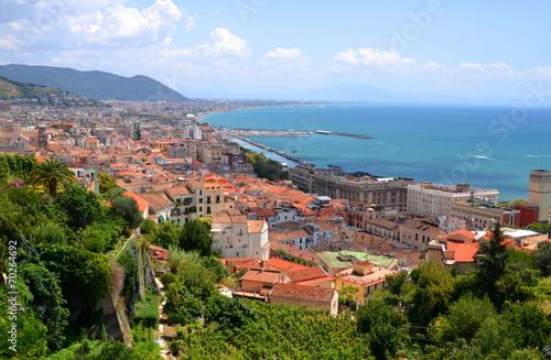 Obraz na płótnie Przepiękny pejzaż miasta Salerno we Włoszech