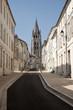 Rue de l'église à Saintes