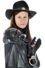 Frau In Sheriff Kostüm Mit Pi...