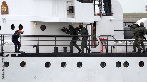 Fotografie, Obraz  Navy Anti-Piracy