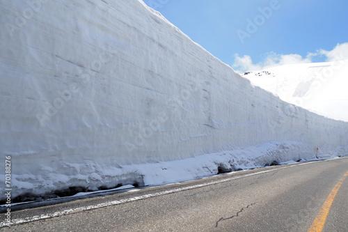 Foto op Plexiglas Japan Snow wall, Tateyama Kurobe Alpine Route, Japan 雪の大谷