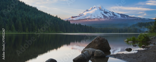 Photo Volcano mountain Mt. Hood, in Oregon, USA.