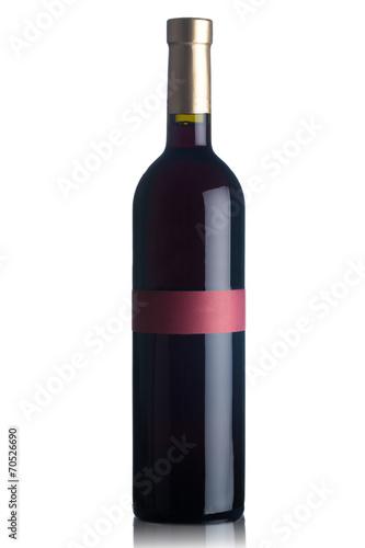 Fotografía  Botella de vino rojo aislado en blanco