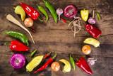 Warzywa na drewnianej desce