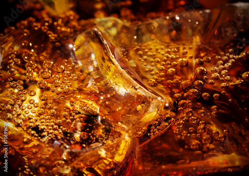 Fotografie, Tablou cola with ice close up