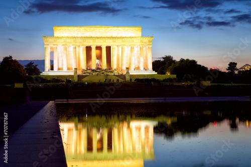 Fotografia  The Lincoln Memorial at dusk, Washington DC, USA