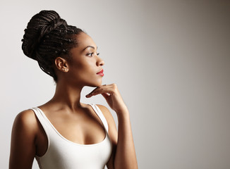portret pięknej czarnej kobiety