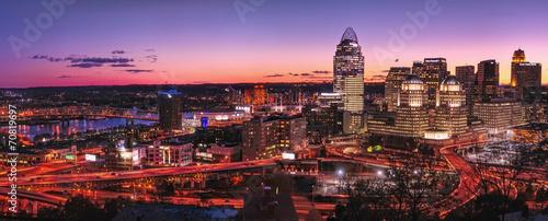 Photo Cincinnati skyline at night