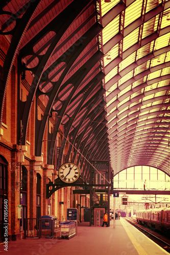 Canvas Prints Antwerp Modern building London King's Cross Station