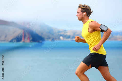 Poster Jogging Athlete running man - male runner in San Francisco