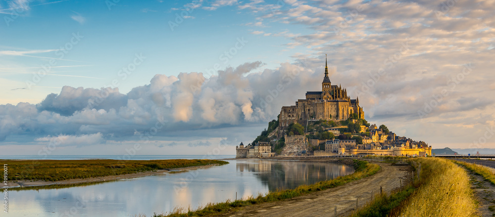 Fototapety, obrazy: Panoramic view at morning Mont Saint-Michel