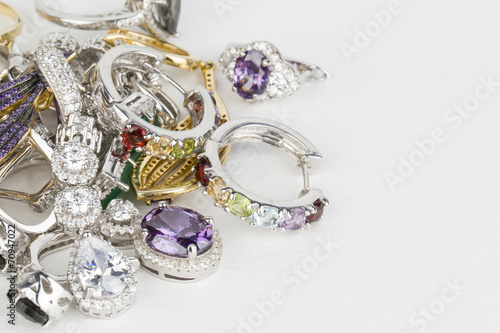 Fotografía  Many fashionable women's jewelry - Stock Image macro.