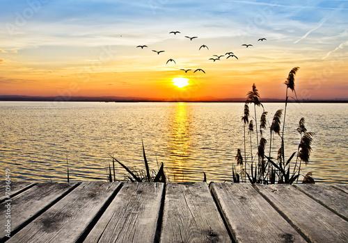 amanece un dia perfecto en el lago
