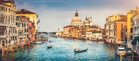 Fototapeta Wenecja Grand Canal and Santa Maria della Salute at sunset, Venice
