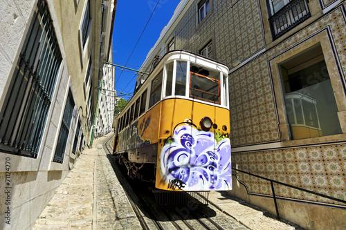 Fotografia  Elevador do Lavra , Lisbon, Portugal