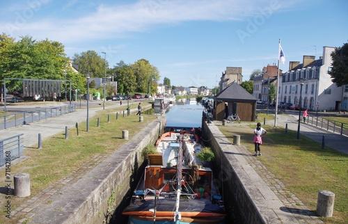 Stickers pour porte Ville sur l eau Ecluse du canal St Martin