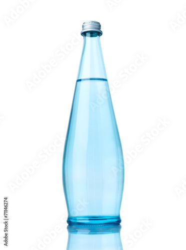 Photo  water glass bottle drink