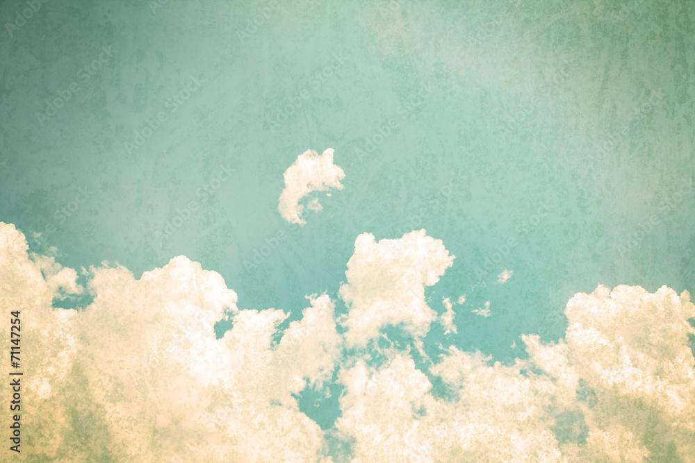 retro odcień koloru chmur z błękitne niebo w słoneczny dzień <span>plik: #71147254 | autor: Cozine</span>