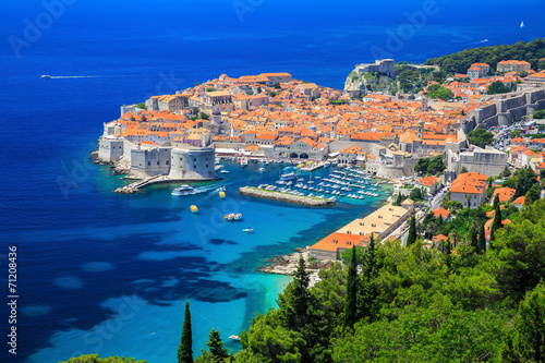 Poster Cote A panoramic view of the walled city, Dubrovnik Croatia